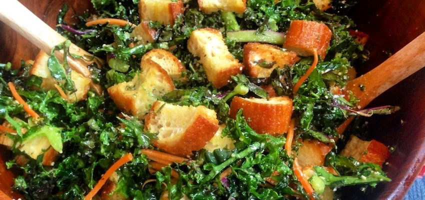 Vegetarian Kale Caesar Salad With Homemade Garlic Croutons ...