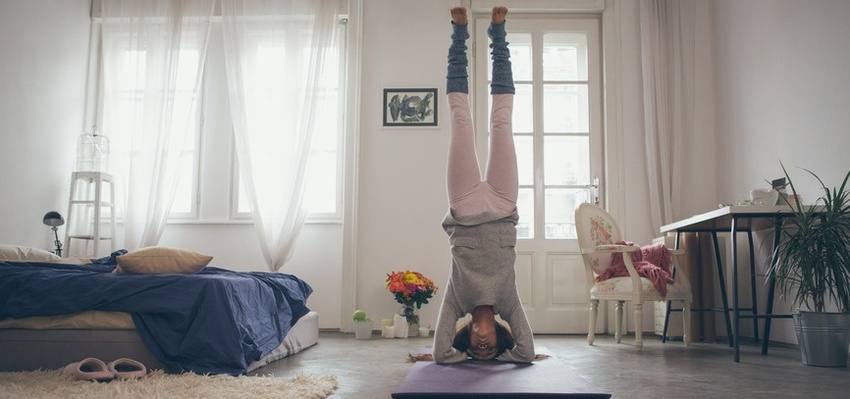 10 Ways To Scare Your Friends & Family Away From Yoga (Funny)