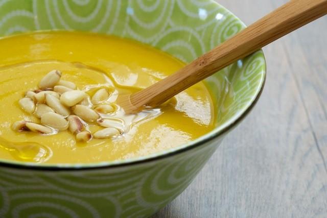 Warming Autumn Sweet Potato-Broccoli Soup