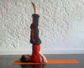 shoulder stand howto tips benefits  mindbodygreen